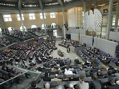 Blick in den Plenarsaal des Bundestags. Foto: Deutscher Bundestag / Marc-Steffen Unger